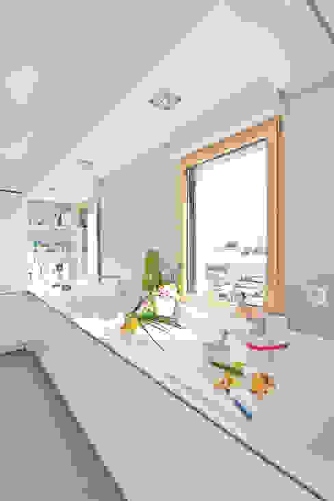Кухня в стиле модерн от Anne-Maud & Natacha Модерн