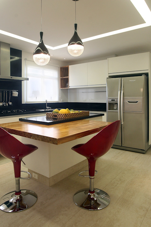 Projekty,  Kuchnia zaprojektowane przez Lucia Navajas -Arquitetura & Interiores, Nowoczesny