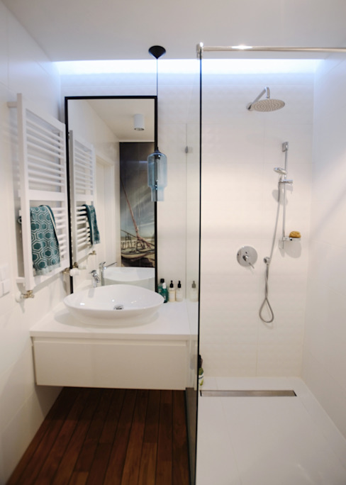 Devangari Design Baños de estilo escandinavo