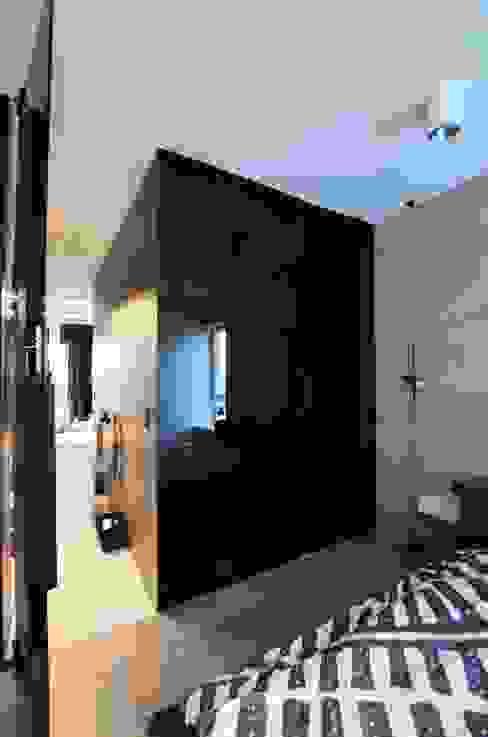 Mieszkanie Mokotów Minimalistyczna sypialnia od Devangari Design Minimalistyczny
