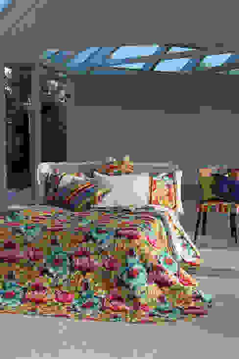 Bedroom Egomio Camera da letto moderna di Reevèr One Home Moderno