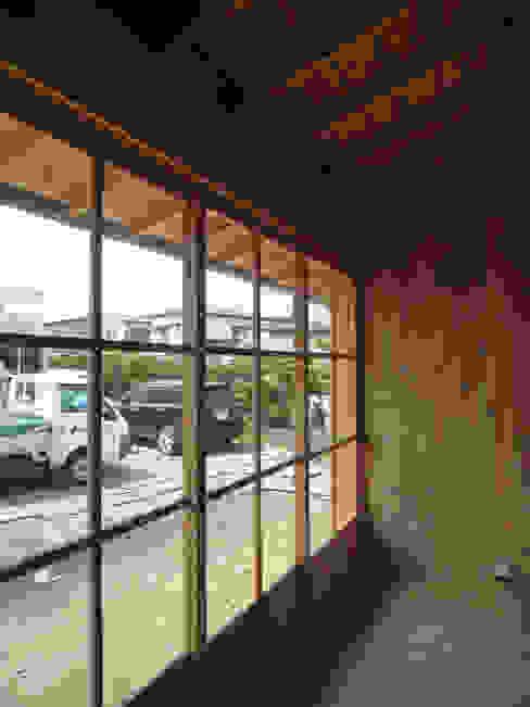 縁側テラス ラスティックデザインの テラス の 篠田 望デザイン一級建築士事務所 ラスティック