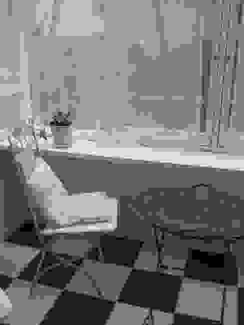 Jardines de invierno de estilo ecléctico de (株)ハウスオブポタリー Ecléctico