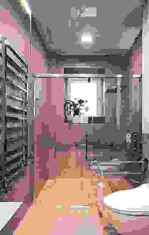Minimalist style bathroom by Akuratnie Minimalist