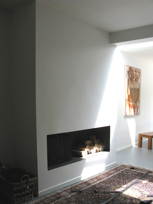 openhaard:  Woonkamer door Boks architectuur, Modern