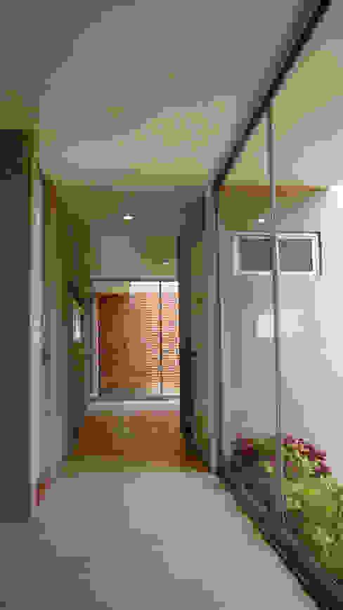 Corridor & hallway by Itech Kali, Colonial