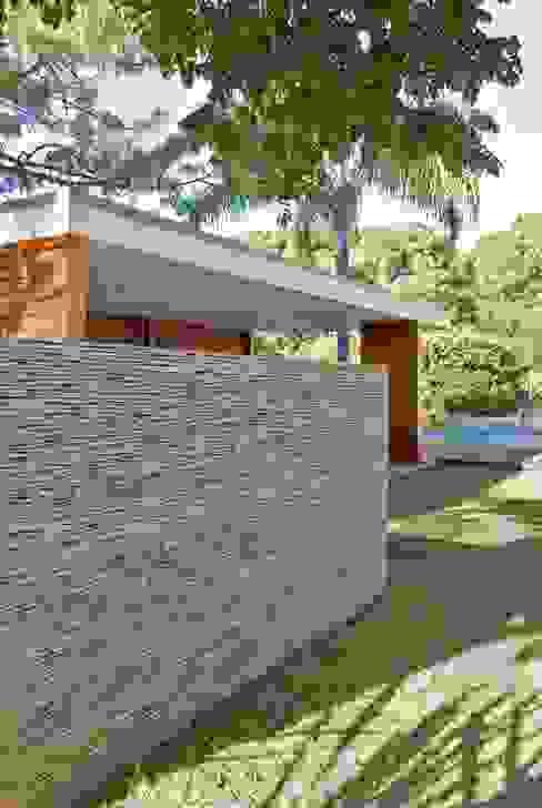 by Alvaro Moragrega / arquitecto Сучасний