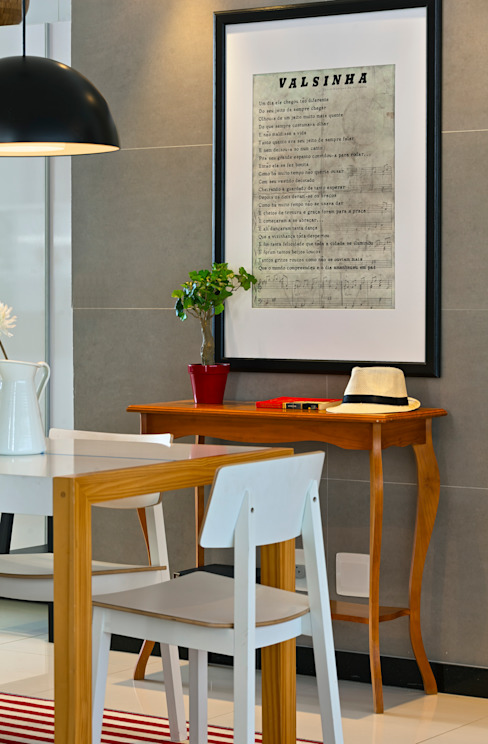 Dining room by Estúdio 102, Modern