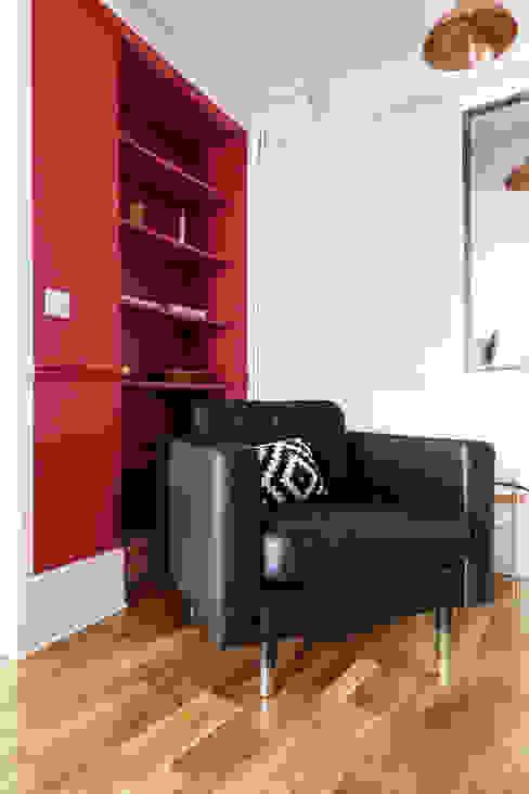 Pièce à vivre : salon - Appartement industriel chic & moderne 55m2 - 75010 Paris Salon industriel par Espaces à Rêver Industriel