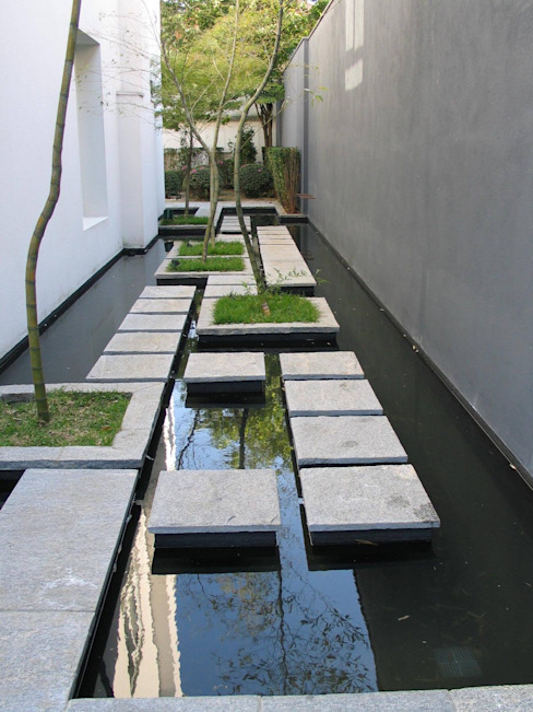 Giardino moderno di Paul Marie Creation Garden Design & Swimmingpools Moderno