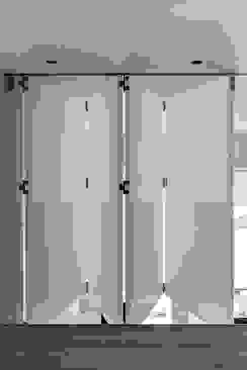 modern  by Viewport Studio, Modern