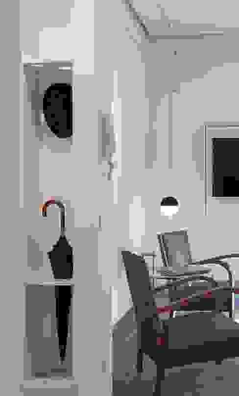 CASA SUL LITORALE [2015] Giardino d'inverno moderno di na3 - studio di architettura Moderno