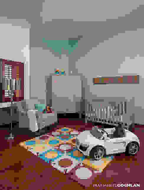 Recámara bebé Dormitorios infantiles modernos de MARIANGEL COGHLAN Moderno