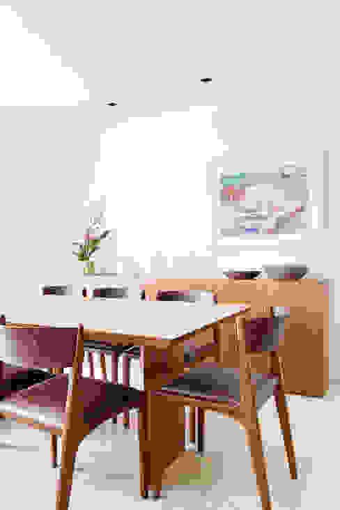 mmagalhães estúdio_Apartamento Parque mmagalhães estúdio Salas de jantar modernas