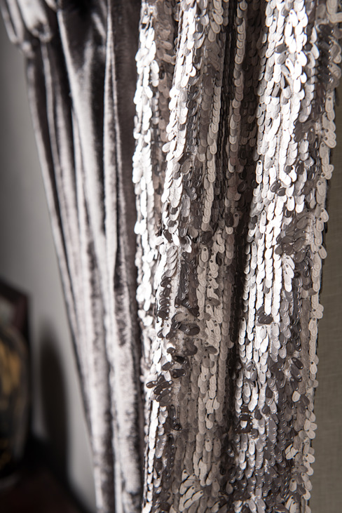 Bespoke Curtains: classic  by Heather Interior Design, Classic