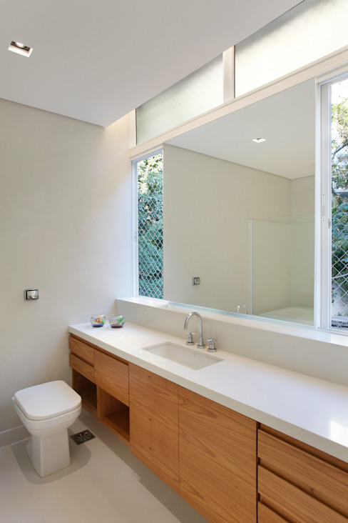 Cobertura Almirante Guillobel Banheiros modernos por Cerejeira Agência de Arquitetura Moderno