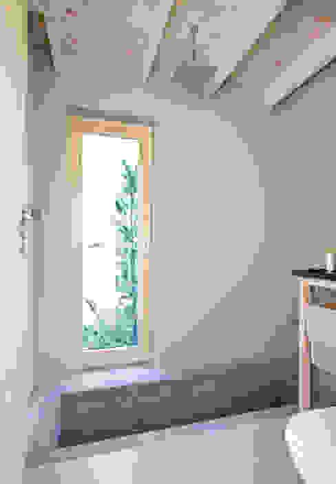 Scandinavische badkamers van Magdalena Zawada Scandinavisch