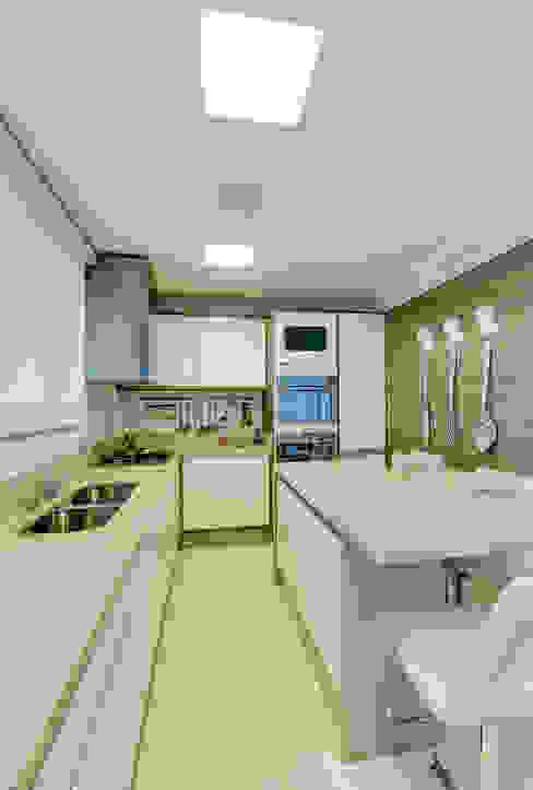 Cozinha Cozinhas modernas por Lucia Navajas -Arquitetura & Interiores Moderno