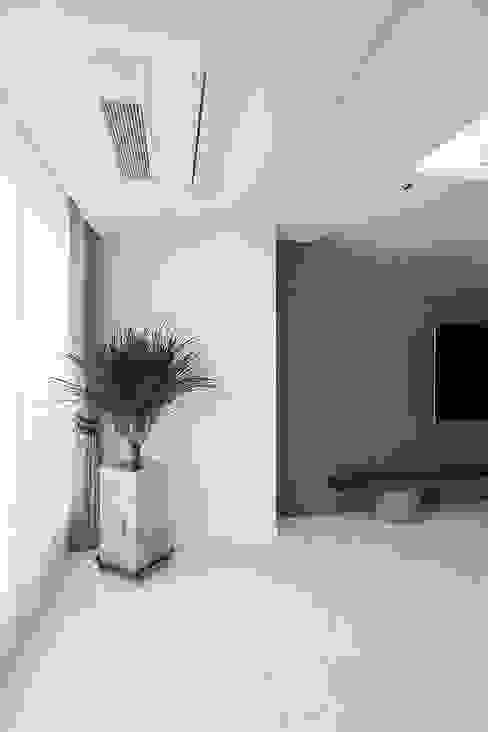 일산 강선마을 벽산아파트 58평형 모던스타일 거실 by MID 먹줄 모던