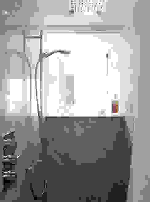 Moderne badkamers van Studio Pan Modern