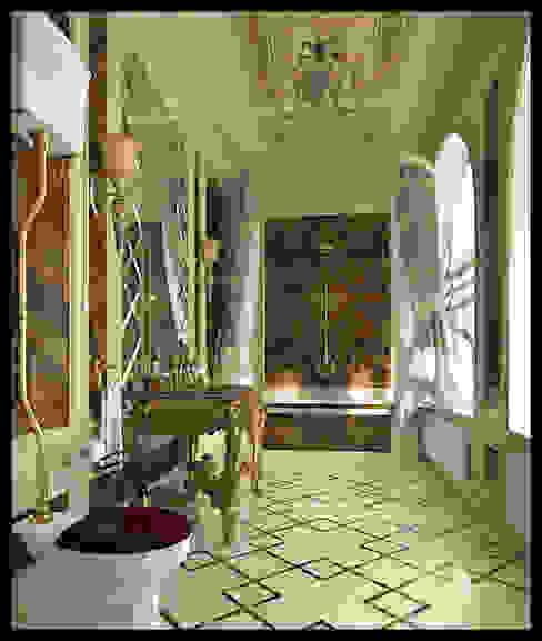 Санузел при мужской спальне Ванная в классическом стиле от Defacto studio Классический