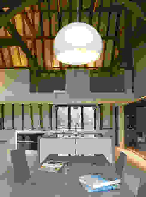 Chantry Farm Cuisine moderne par Hudson Architects Moderne