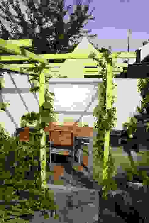 Mini patio tuin:  Tuin door Mocking Hoveniers