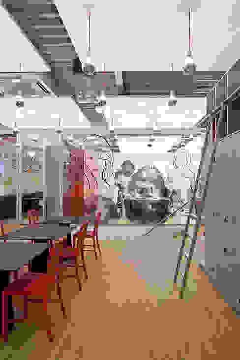 Hoofdkantoor Ami Kappers:  Kantoorgebouwen door ontwerpplek, interieurarchitectuur,