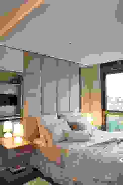 Dormitorios de estilo moderno de Angela Meira arquitetura Moderno