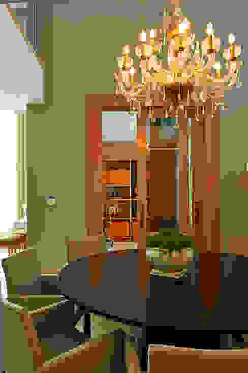 Residência LM Salas de jantar modernas por Gláucia Britto Moderno