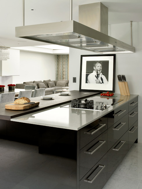 Kitchen by Holloways of Ludlow Bespoke Kitchens & Cabinetry Modern