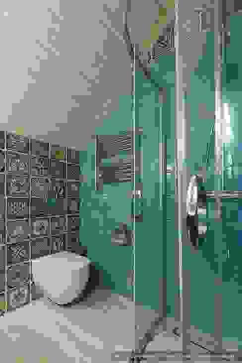 Honka, загородный дом для семьи из 6 человек Ванная комната в скандинавском стиле от Ольга Кулекина - New Interior Скандинавский