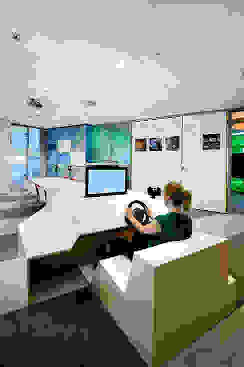 Simulator :  Exhibitieruimten door thisisjane,