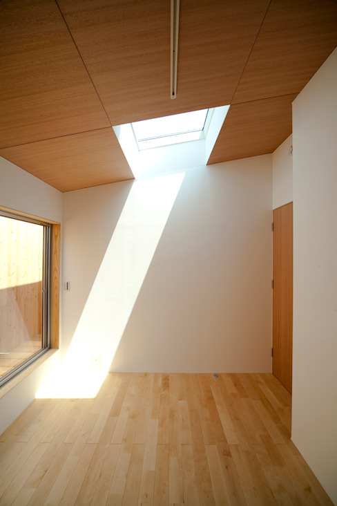 Bedroom by 有限会社クリエデザイン/CRÉER DESIGN Ltd.,