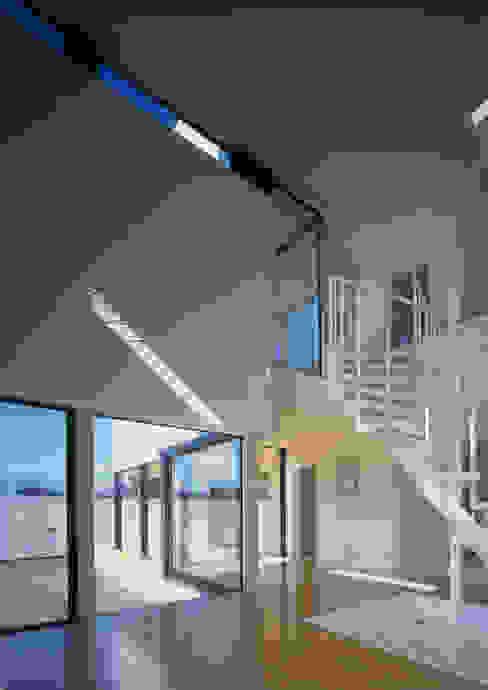 Modern living room by W.D.A Modern