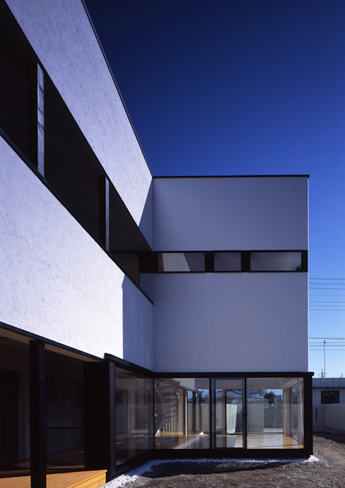 エンガワ/Engawa モダンな 家 の W.D.A モダン