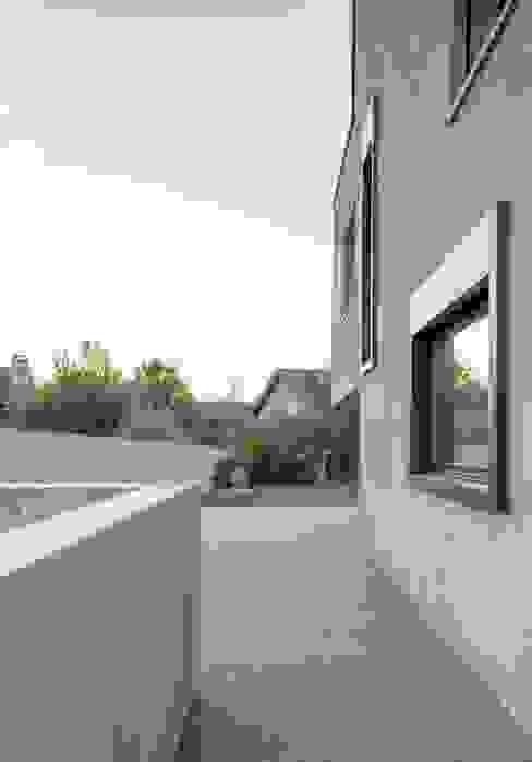 Wohnhaus in Kilchberg Moderne Häuser von Frei + Saarinen Architekten Modern