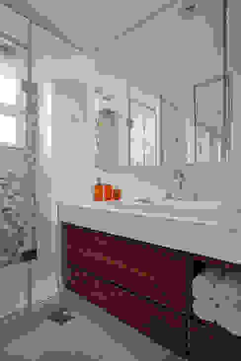 Banheiro Banheiros modernos por Da.Hora Arquitetura Moderno