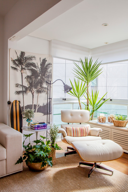 Living room by Helô Marques Associados, Tropical