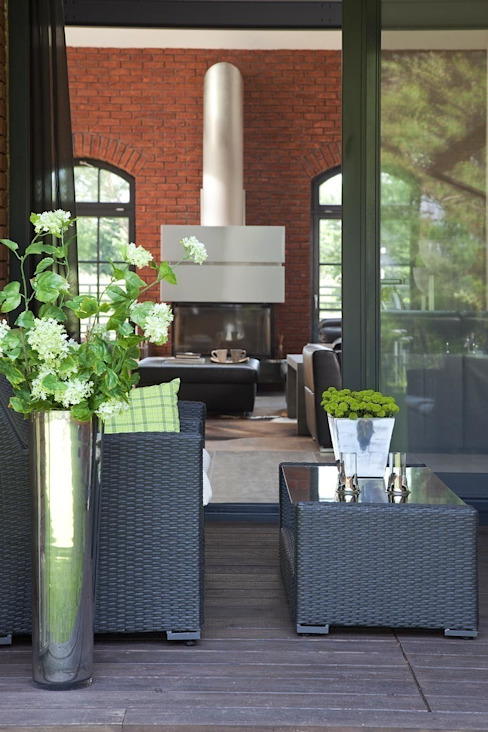 Industrialer Balkon, Veranda & Terrasse von RAJEK Projektowanie Wnętrz Industrial