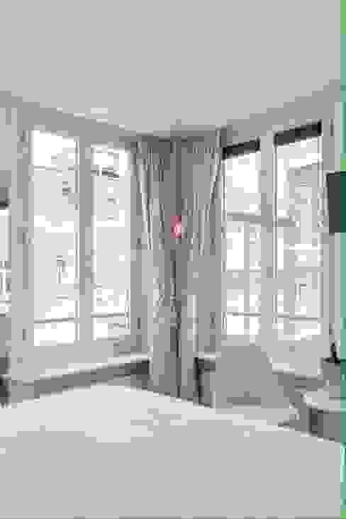 Dormitorios de estilo  por Teakea,