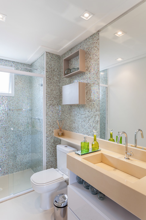 Minimalist bathroom by MARCY RICCIARDI ARQUITETURA & INTERIORES Minimalist