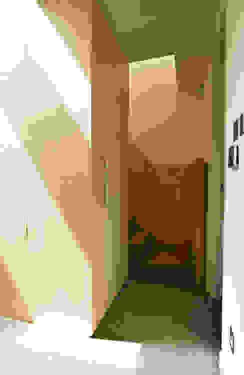 Victoria Mews Oleh Bradley Van Der Straeten Architects