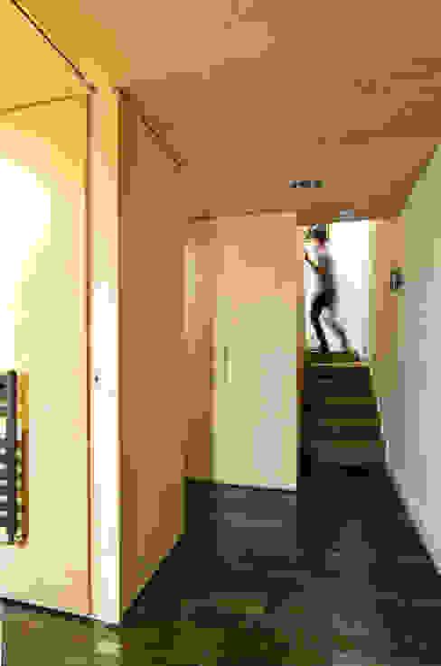 Victoria Mews by Bradley Van Der Straeten Architects