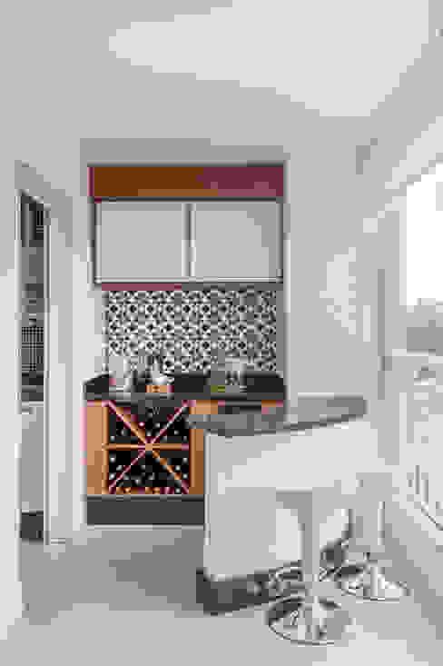 Terrazas de estilo  por MARCY RICCIARDI ARQUITETURA & INTERIORES , Minimalista