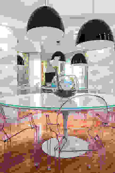 現代  by Amanda Pinheiro Design de interiores, 現代風