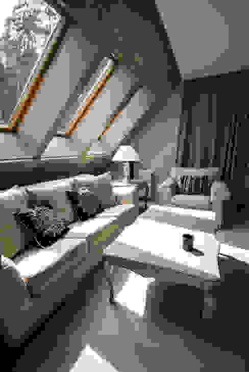 Dom w Polanicy: styl , w kategorii Salon zaprojektowany przez ASA Autorskie Studio Architektury,Klasyczny