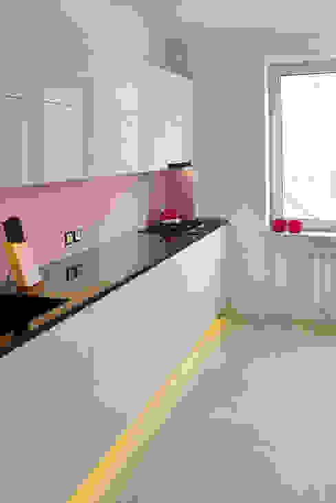 Projekty,  Kuchnia zaprojektowane przez homify, Minimalistyczny