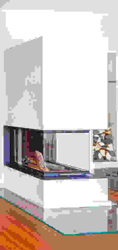 Salas de estar mediterrâneas por Haacke Haus GmbH Co. KG Mediterrâneo