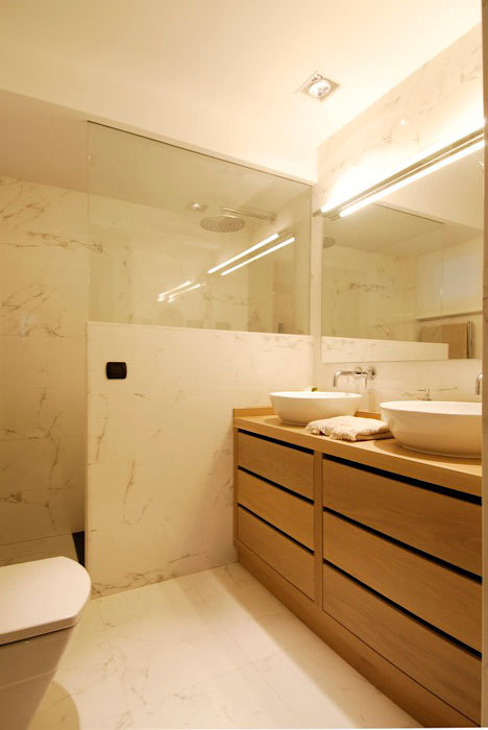 Modern style bathrooms by Sube Susaeta Interiorismo Modern
